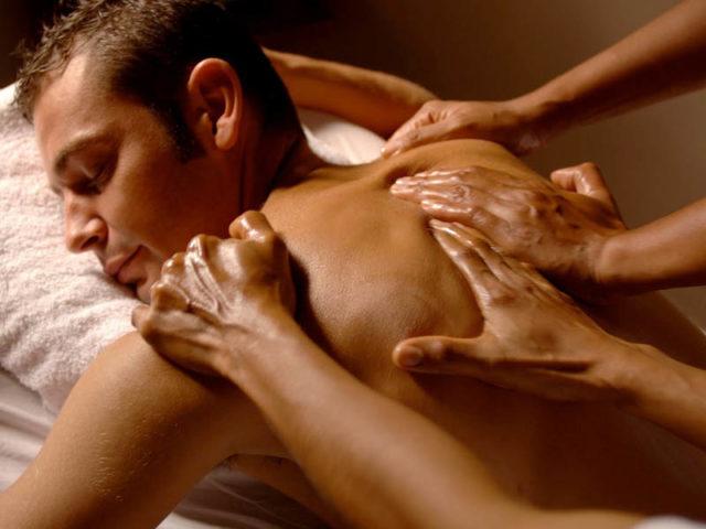массаж в несколько рук