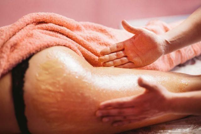 Похлопывание во время массажа